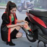 Kiểm tra chạy máy không tải và thay dầu sớm định kỳ khi mua xe máy động cơ mới