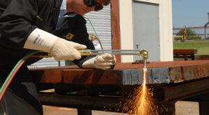 Các phương pháp cắt kim loại tấm trong ngành cơ khí hiện nay.