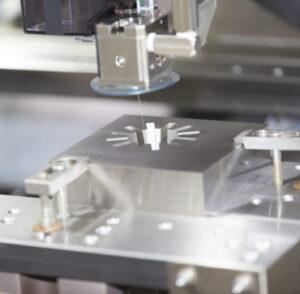 Những yếu tố ảnh hưởng tới độ nhám bề mặt trong gia công cắt dây.
